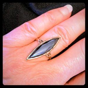 Jewelry - 10k yellow gold ring with hematite stone